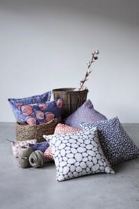 9753_blue-red_cushion_pile_1